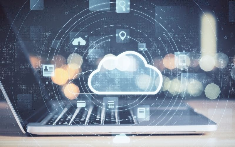 Choosing hybrid cloud storage will reduce downtime and security risks. Learn more about the benefits of hybrid cloud storage for your data.